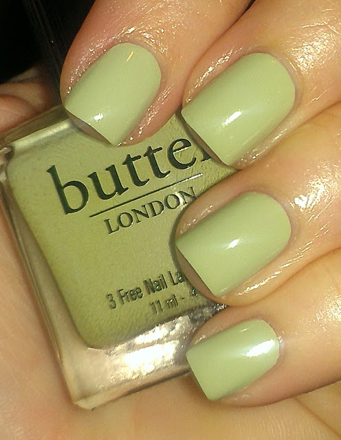 light pistachio green creme