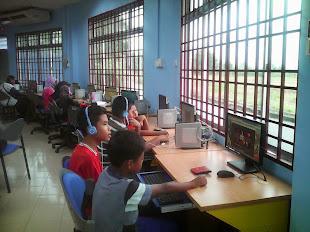 Bahagian Multimedia dan Internet