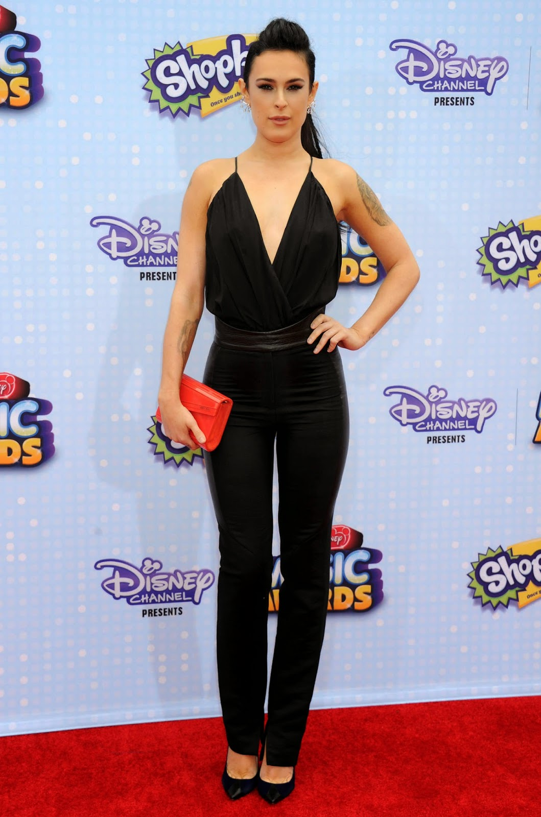 Rumer Willis is sexy in a plunging attire at the 2015 Radio Disney Music Awards in LA