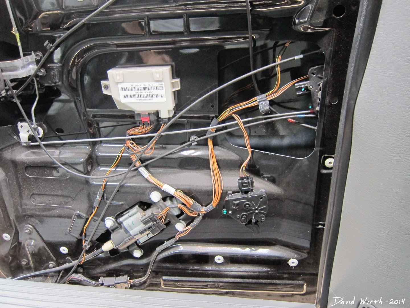 broken%2Bsliding%2Bminivan%2Bdoor 3 common problems chrysler town & country 2007 dodge grand caravan sxt sliding door wiring harness at bayanpartner.co