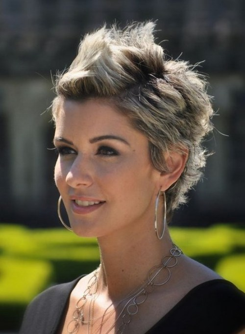 This Is A Great Way To Reduce The Thickness And Create Flattering Look See More Choices Of 5 Short Hairstyles 2016 We Have Particularly Picked For