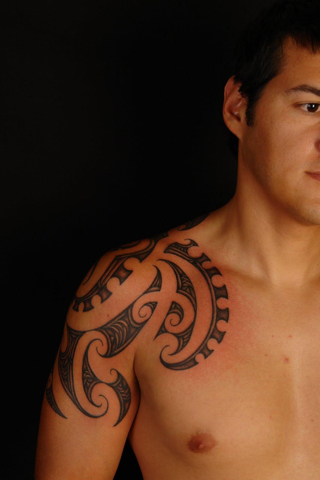 http://3.bp.blogspot.com/-VwQTpJB0DfY/TlLEX14wDzI/AAAAAAAAAKU/DFvChsLjak8/s1600/Tatuagens+Maori+-+Latest-Maori-Tattoo-Design-for-Guys-2011.jpg