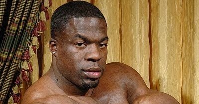 kali muscle naked