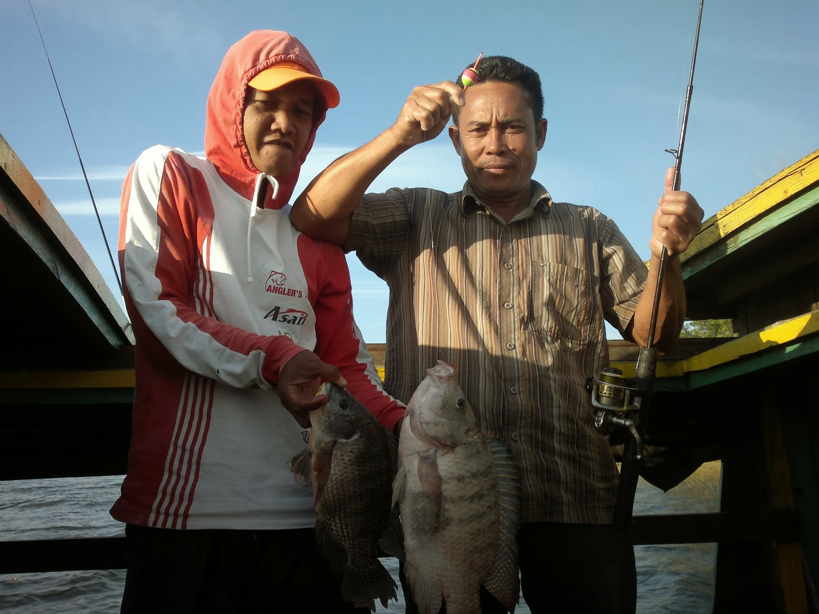 Classic Fishing Club Baju Mancing Mania Mantaaappp Rajanya Riam Kanan