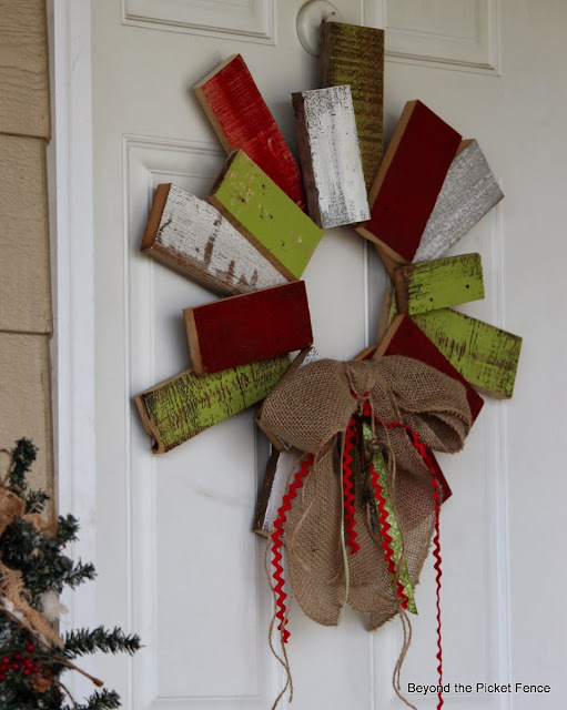 12 days of Christmas Scarp wood wreath http://bec4-beyondthepicketfence.blogspot.com/2013/11/12-days-of-christmas-day-9-scrappy.html
