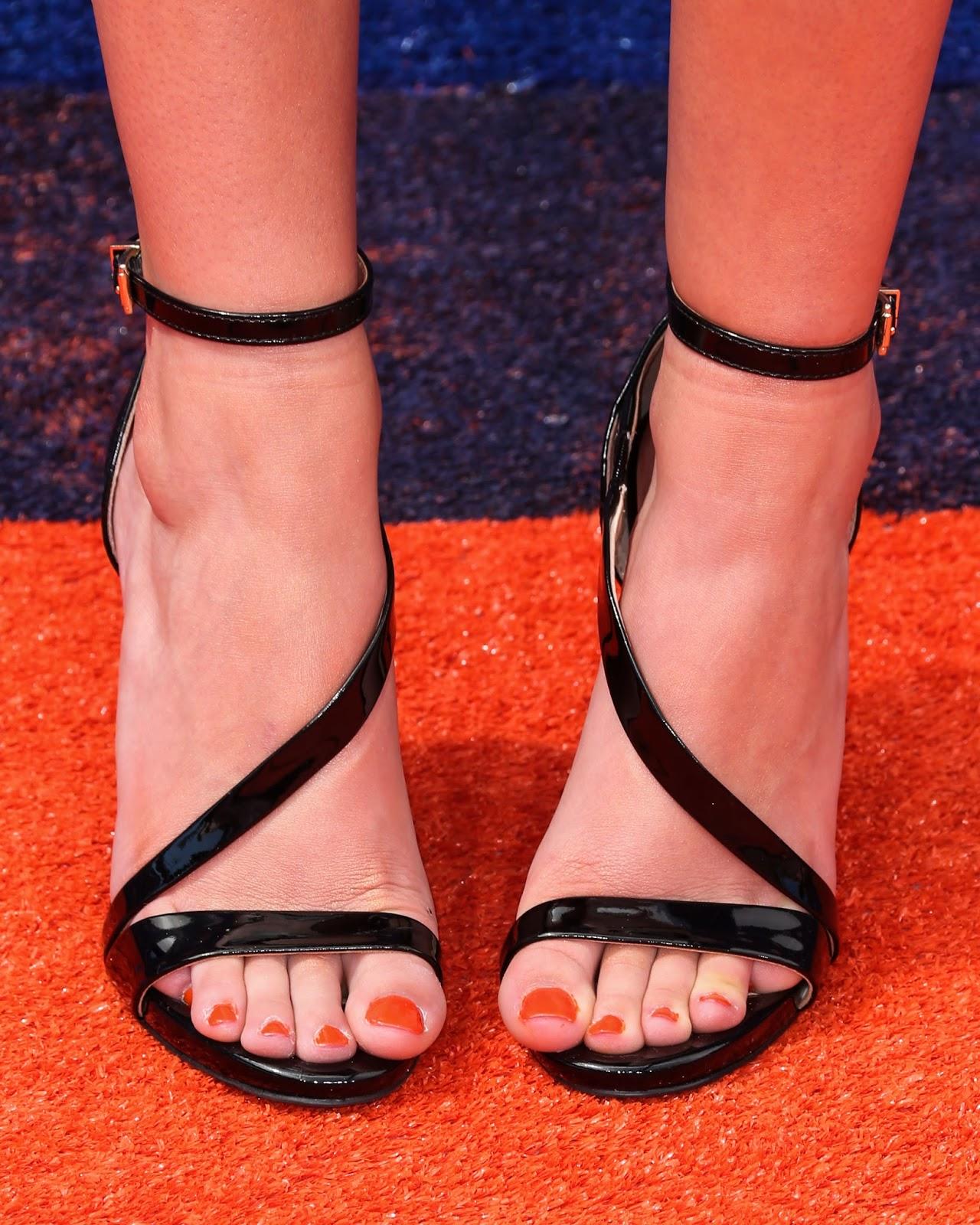 Celebrity Feet: Ryan Newman Anna Kendrick