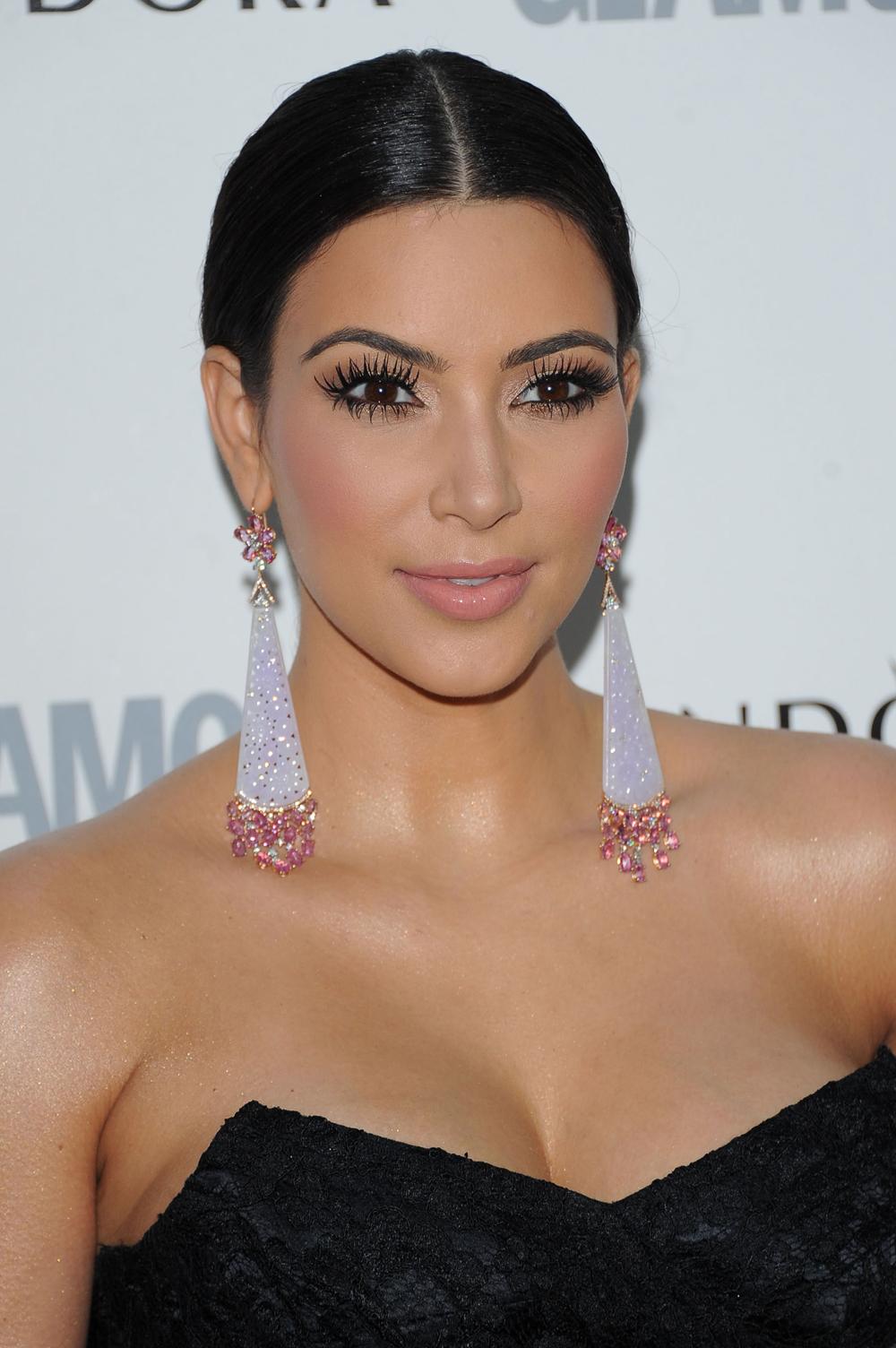 Kim Kardashian Black Ponytail Hairstyles 08