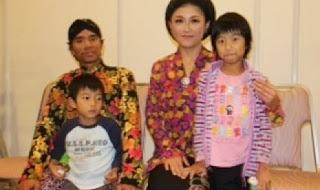 Rofit Ibrahim bersama isteri dan kedua anaknya