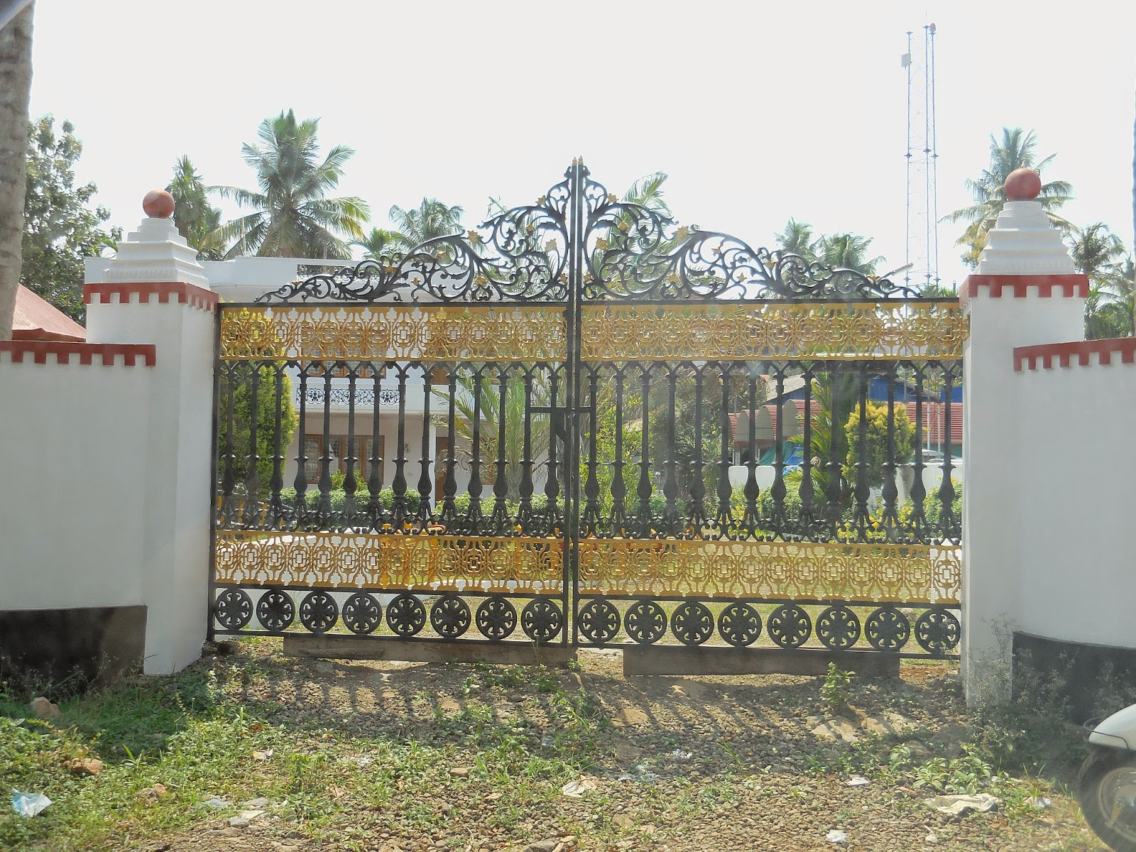 Kerala Gate Designs: More houses gates from Kerala