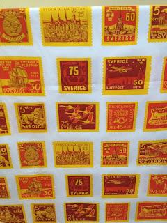 frimärkstyg frimärke tyg gul orange Maud Fredin Fredholm Stoff och Stil 60-talet tyg textil metervara