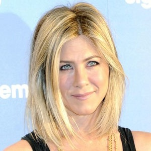 Jennifer aniston new haircut 2011  Funny & Amazing Images