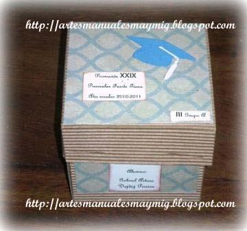 Una Caja Elaborada En Cart  N Corrugado