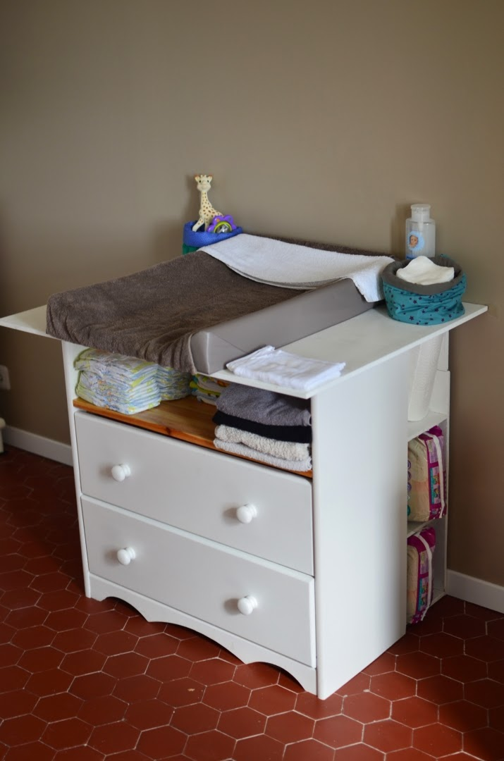 Ikea commode a langer cheap ikea commode a langer with for Table a roulettes ikea