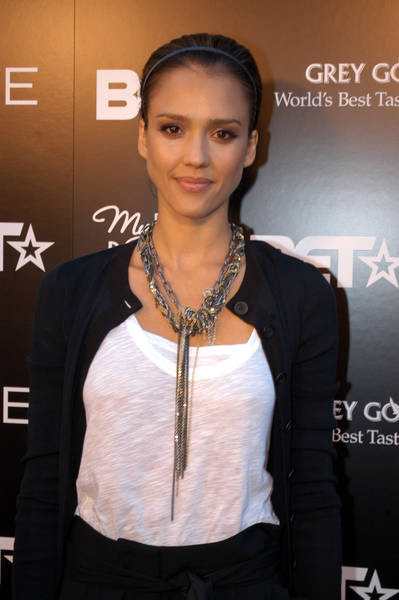 Jessica Alba Romance Hairstyles Pictures, Long Hairstyle 2013, Hairstyle 2013, New Long Hairstyle 2013, Celebrity Long Romance Hairstyles 2100