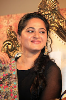 Actress Anushka Shetty Latest Picture in Salwar Kameez at Lingaa Tamil Movie Audio Launch  6.jpg
