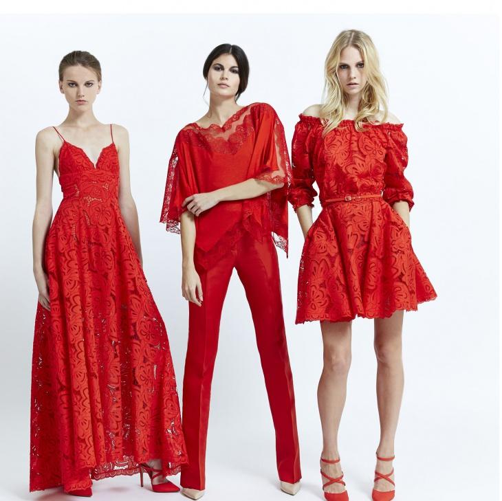 яркий красный цвет в одежде