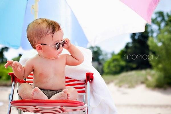 Photo bébé mimi dans la plage