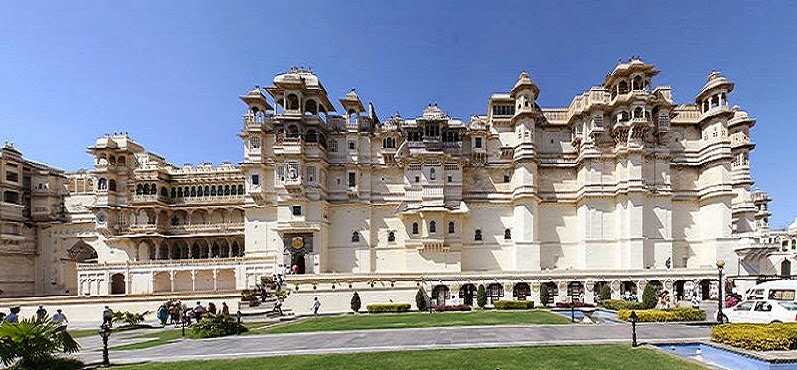 Front view of the City Palace complex in Udaipur