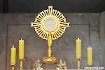 Adoração ao Santíssimo Sacramento seguida com a Santa Missa