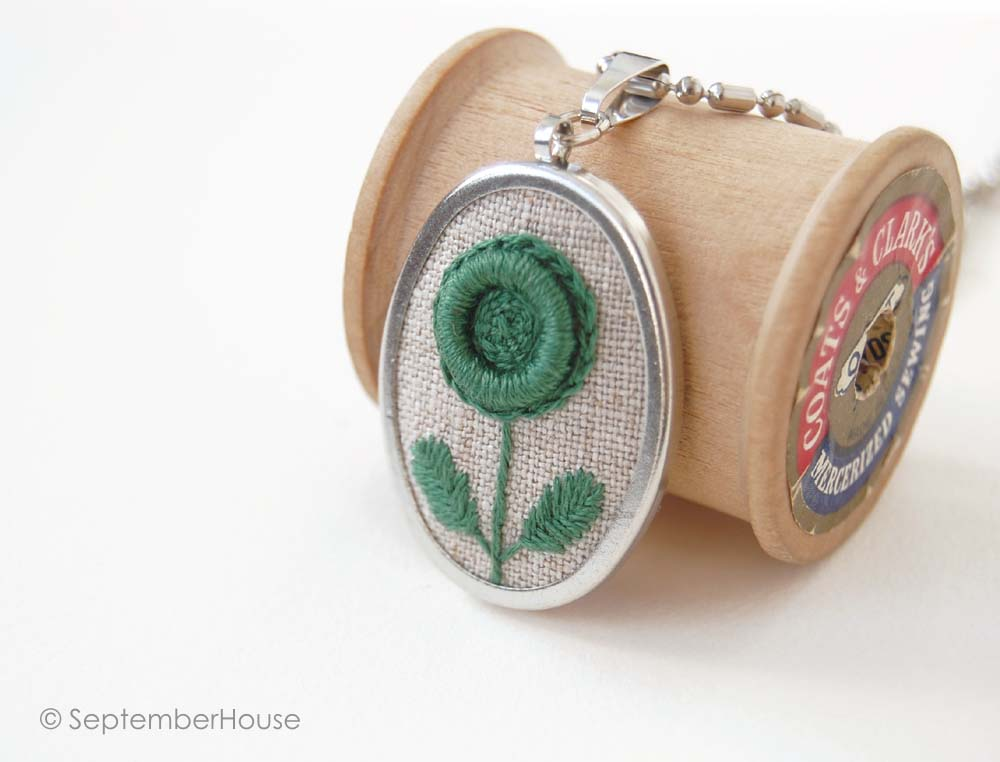 embroidered pendant necklace in modern flower design