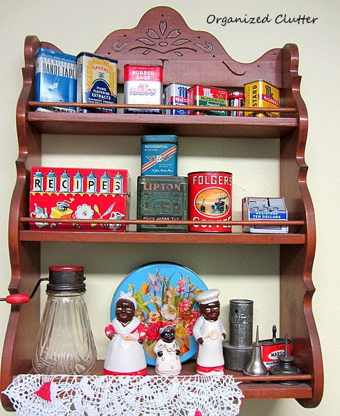Vintage Spice Rack & Collectibles www.organizedclutterqueen.blogspot.com