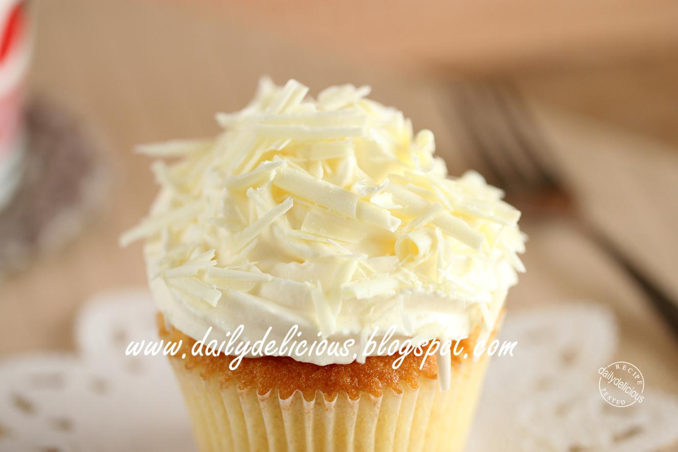 dailydelicious: White chocolate and Macadamia Cupcakes: Let's enjoy ...