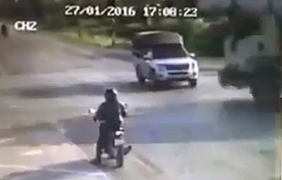 Choca una Camioneta y no te imaginas Lo que Transportaba