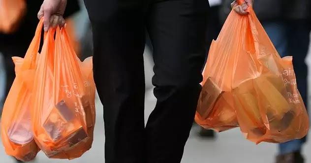 Τέλος με νόμο η δωρεάν πλαστική σακούλα, τους έπιασε ο πόνος για το περιβάλλον και καλά!