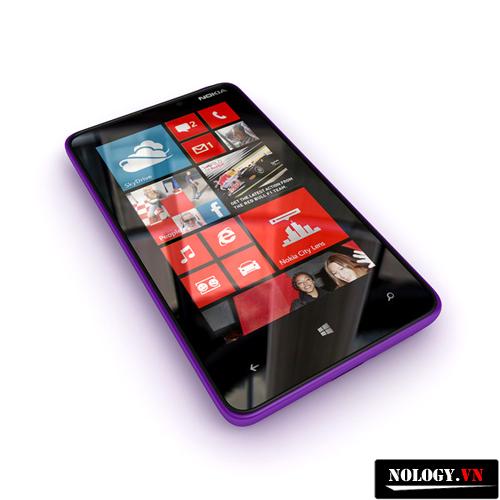 Màn hình 4.3 inch của Nokia Lumia 820 luôn hiển thị tốt trong mọi điều kiện