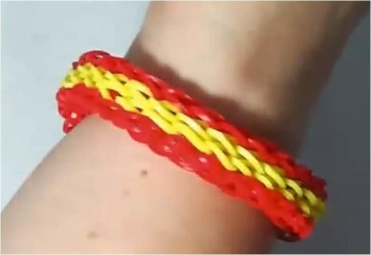 Cómo hacer una pulsera cuatrisingle con la bandera de España