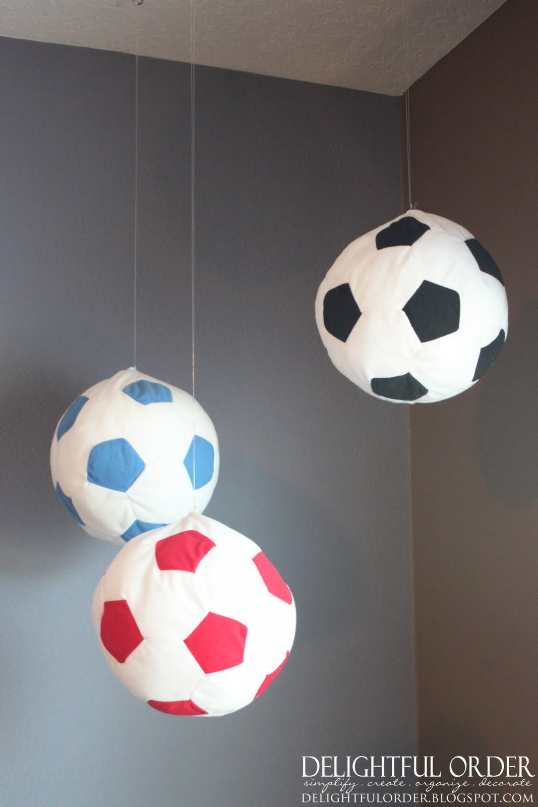Delightful order boy 39 s sports room decor clients home for Ball decoration ideas