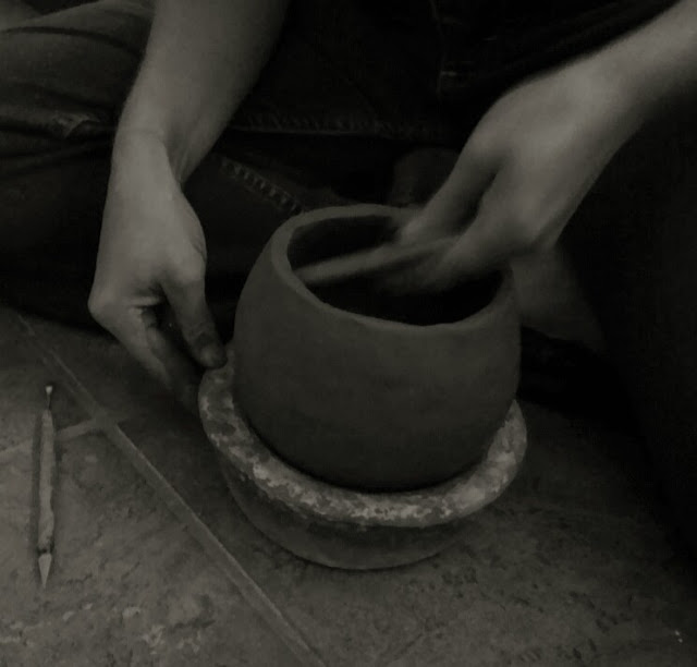 amy myers, pottery, handbuilding, traditional, coiling, ceramics, earthenware, sarah myers
