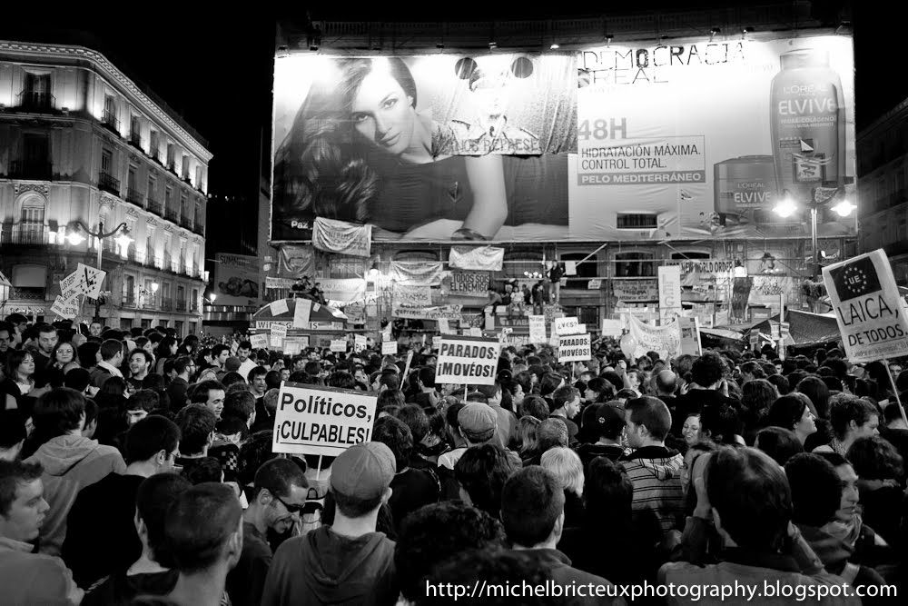 Madrid, 15-M: Thousands of Protestors peacefully occupy the Pta del Sol, a few days from elections