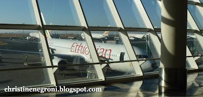 airliner+at+airport+beauty+shot.jpg
