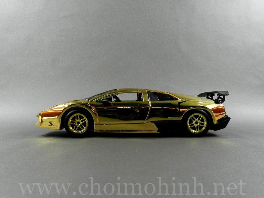 Gold Lamborghini Murcielago LP670-4 SV 1:24 Speedy side