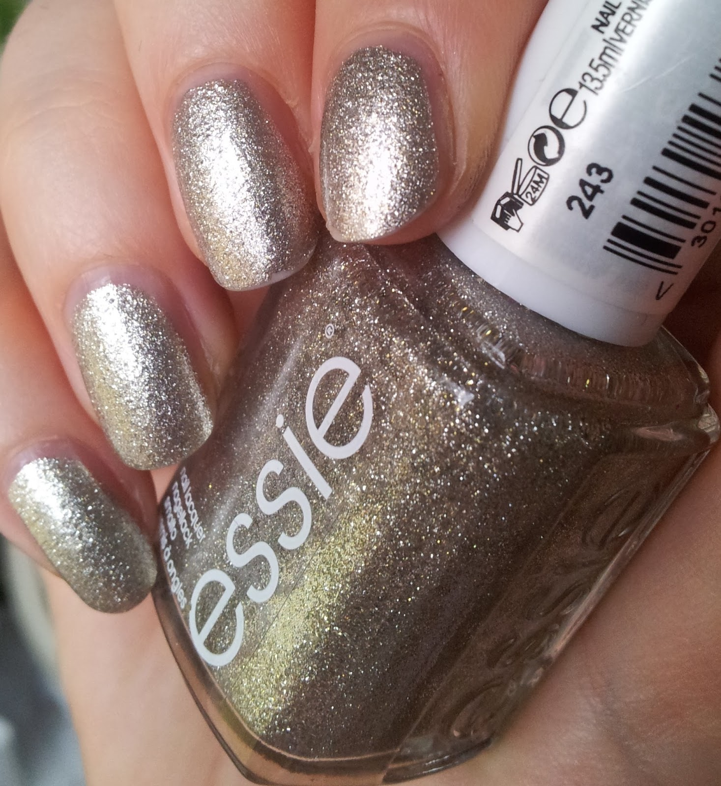 essie: Beyond cozy (Leading lady collection 2012)
