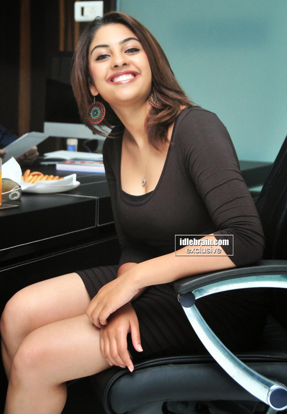 Richa Gangopadhyay cleavage milky legs
