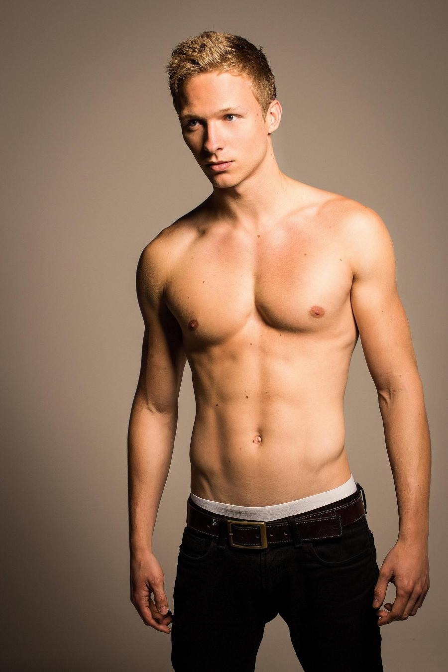 The Stars Come Out To Play: Will Tudor - Shirtless Photoshoot