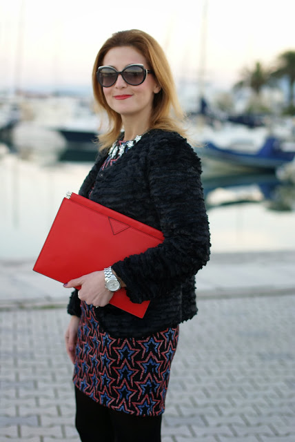 zara starry print dress, fake fur jacket, red zara clutch, Fashion and Cookies, fashion blogger