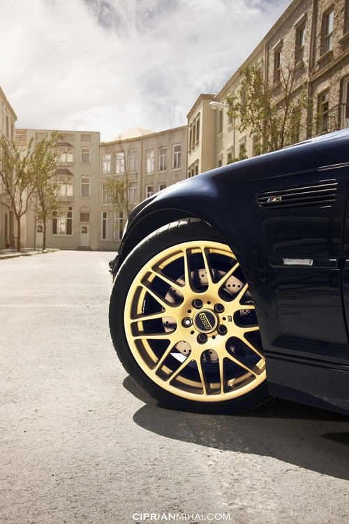 gold rims car smash cult hot and cold black and gold