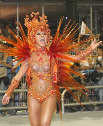Sabrina Sato will enter the Sambadrome in Sao Paulo as godmother battery Hawks of loyal, in São Paulo. Pictured the Japanese paraded in 2012, the year the school honoured Lula. Samba-pictured by Rivaldo Gomes / Folhapress. 19/02/2012.