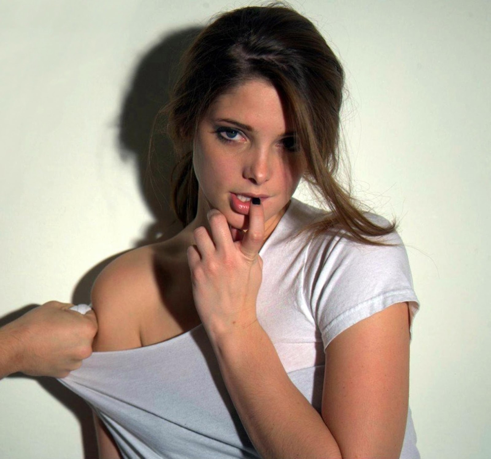 Hot Ashley Greene