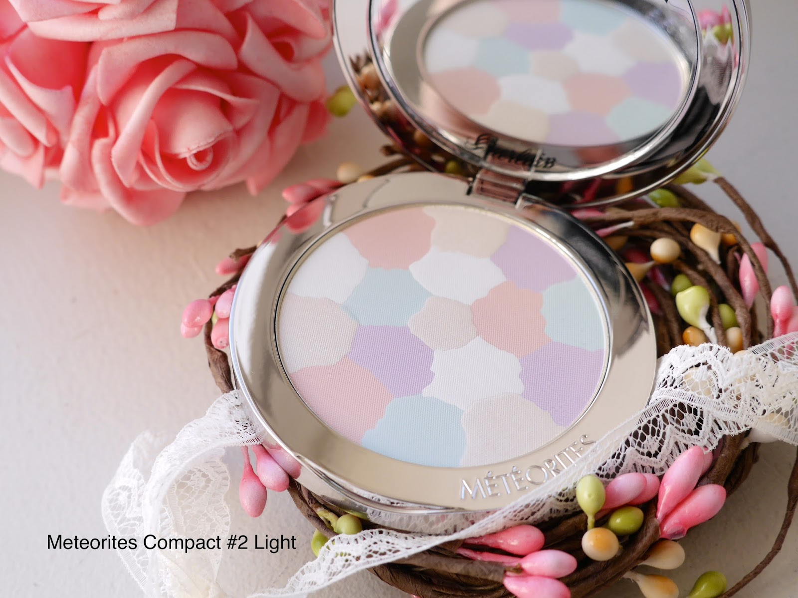 guerlain compact meteorites review