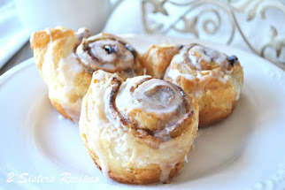 EASY Cinnamon Rolls with Raisins and Walnuts