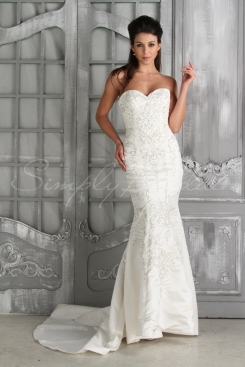 Creative weddings in raleigh durham and chapel hill nc for Cheap wedding dresses in nc