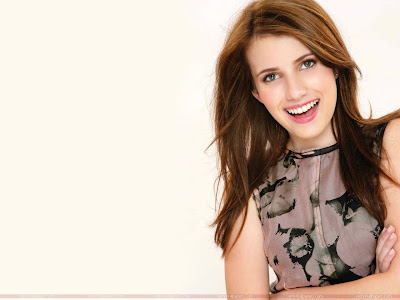 Emma Roberts Beautiful HD Wallpaper