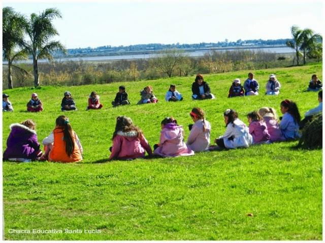 Alumnos en la Chacra - Chacra Educativa Santa Lucía