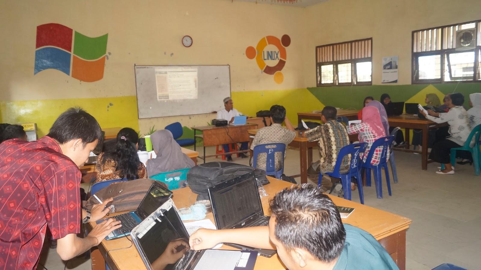 Workshop guru Nge-blog di SMK Pulau Rakyat Asahan