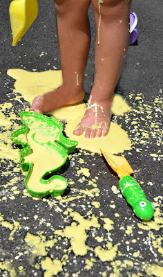 Sidewalk Sand Play Recipe- easy to make and so fun for kids!  All the mess washes easily away after play, too!