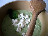 Crème de concombre et feta à la menthe, éclats de feta
